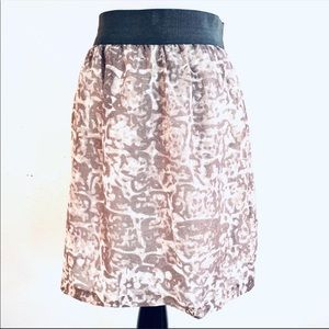 Ann Taylor Loft Taupe Abstract Print Skirt Sz XS